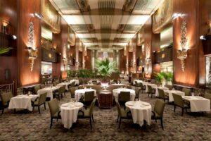 Mesas modernas para mejorar el diseño de un restaurante