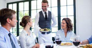 Mejorar el servicio al cliente en un restaurante