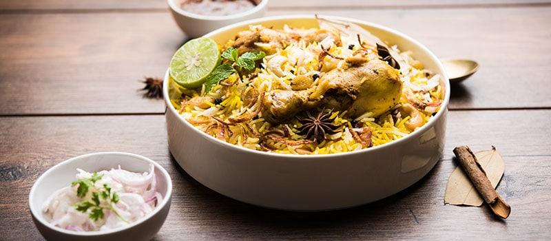 Pollo biryani comida hindú